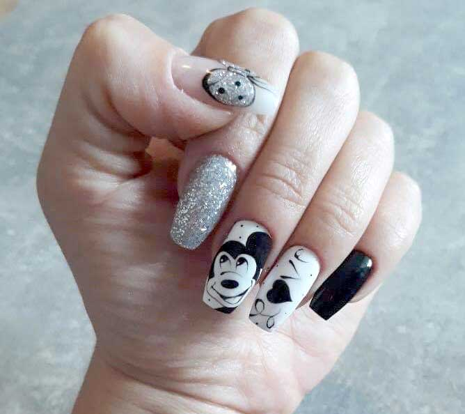 Nageldesign Mickey Mouse